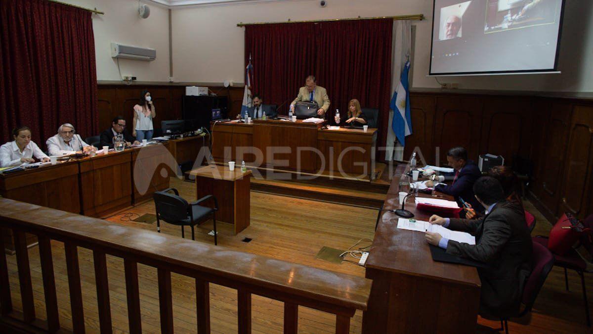 El juicio se desarrolla en la sala 6 de los tribunales santafesinos