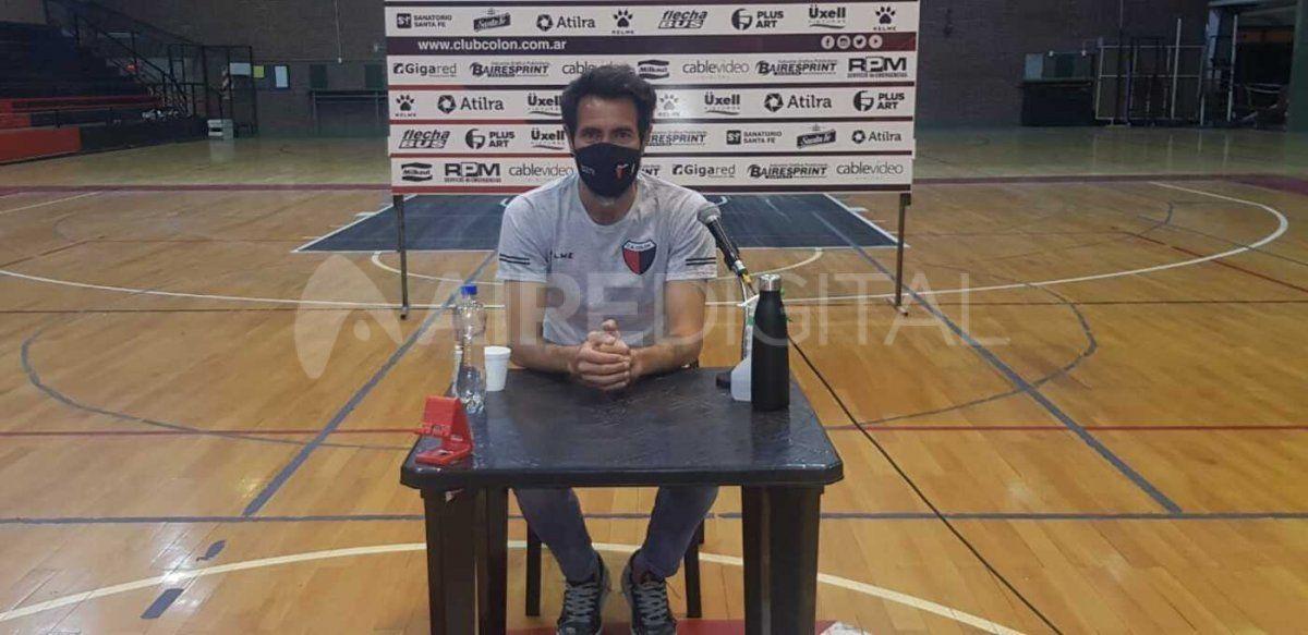 El entrenador de Colón charló en conferencia de prensa en las vísperas del retorno a la actividad futbolística.