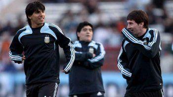 Diego Maradona, Sergio Agüero y Lionel Messi durante la conducción de la Selección Argentina por parte del ex Napoli.