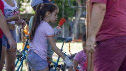 El Día Universal del Niño se celebra todos los años el 20 de noviembre. UNICEF estableció la celebración para recordar a la ciudadanía que las infancias son el colectivo más vulnerable y quienes más sufren las crisis y los problemas del mundo.