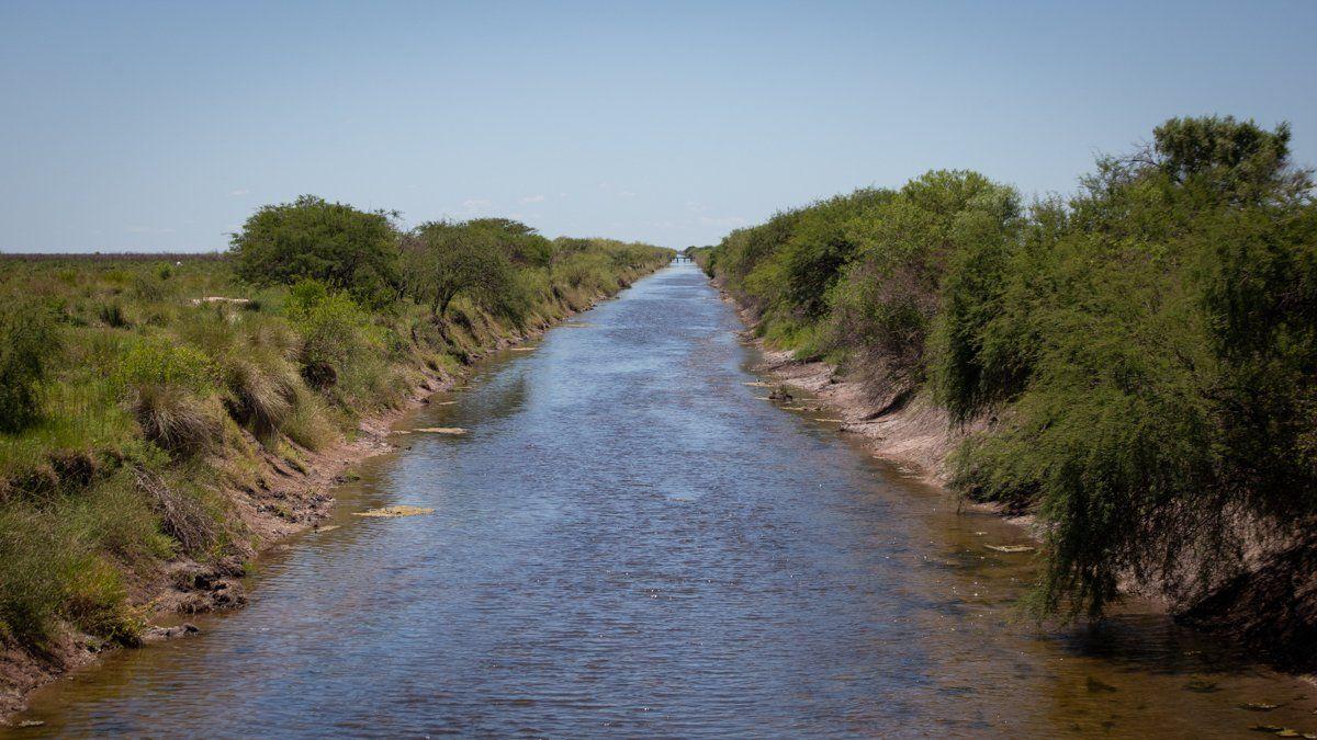 Los canales son importantes cuando hay que conducir los excesos hídricos pero complican el escenario en los años secos.