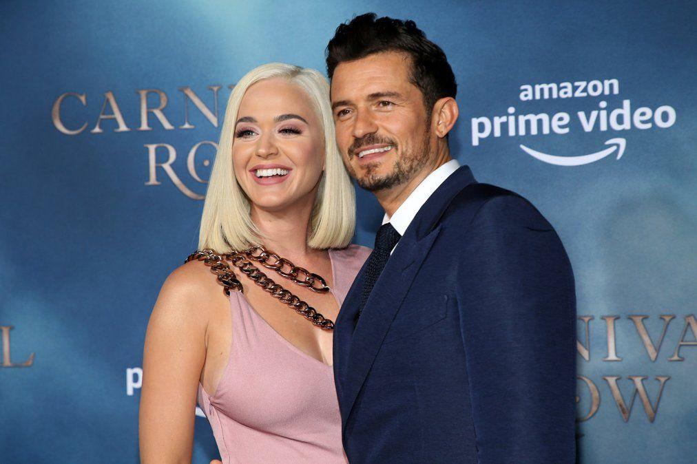 Katy Perry festejó el cumpleaños de Orlando Bloom compartiendo una serie de imágenes inéditas.