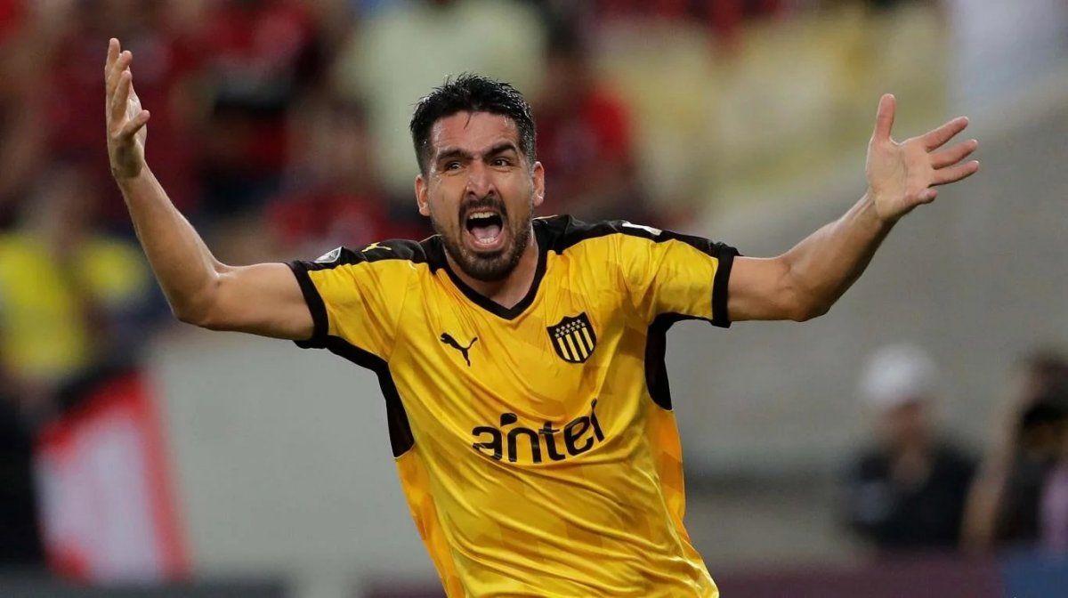 Todo acordado: Lucas Viatri es nuevo jugador de Colón