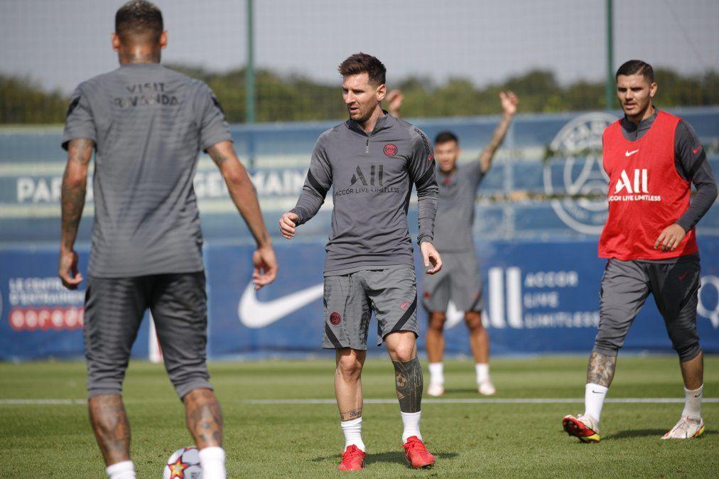 Lionel Messi volvió a entrenar con el Paris Saint-Germain y se prepara para afrontar un mes cargado de partidos.