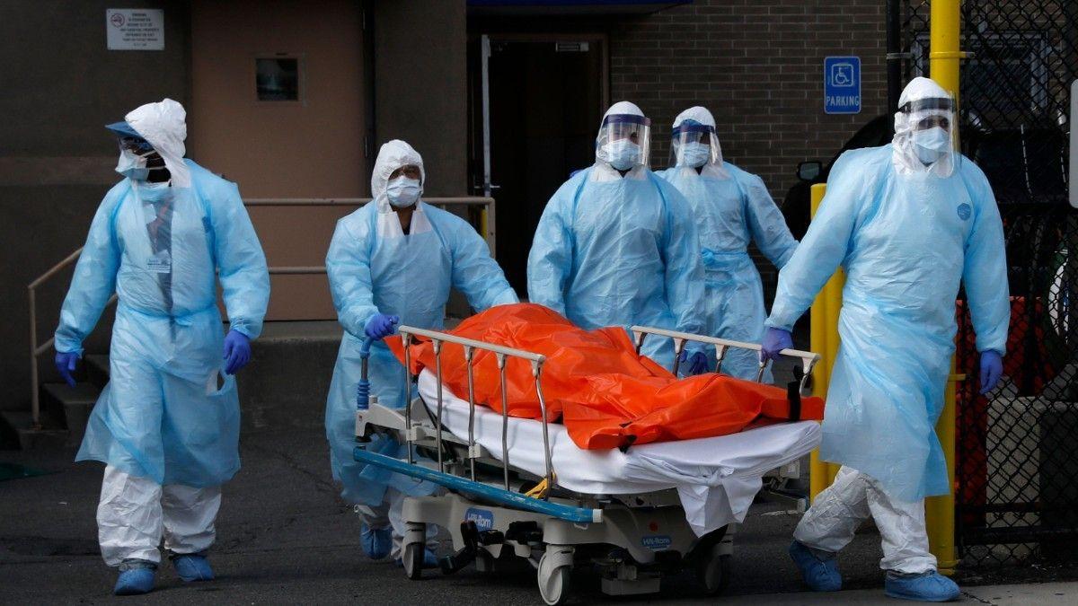 Los hospitales desbordan en Estados Unidos por el coronavirus.
