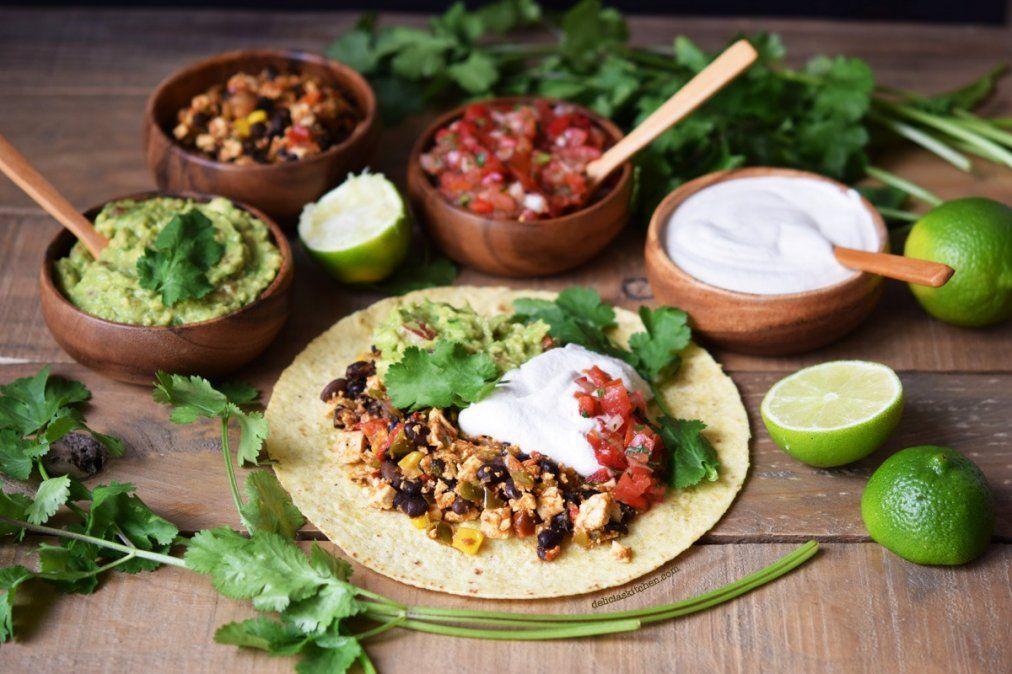 Cómo hacer fajitas vegetarianas con guacamole
