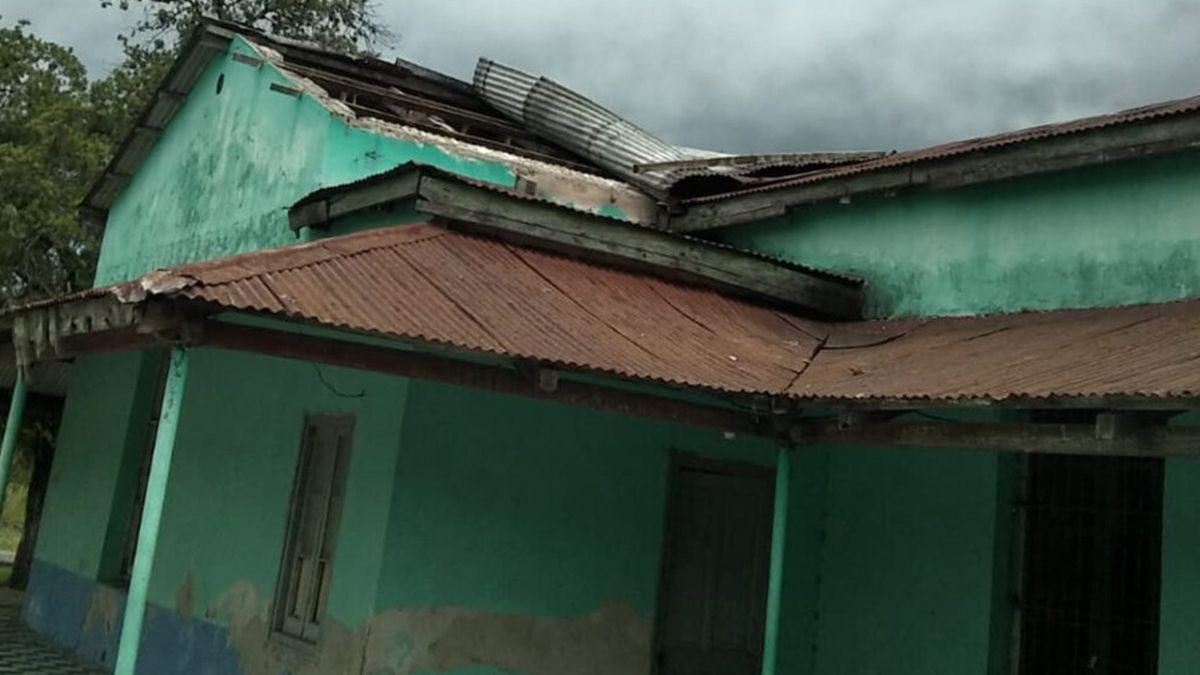 Importantes daños en el edificio del Club de Tartagal que quedó destechado por los fuertes vientos