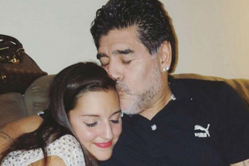 Jana Maradona junto a Diego Maradona