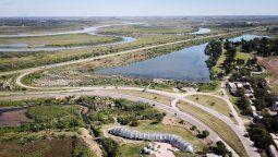 La cuenca del río Salado a la altura del hipódromo de Santa Fe, el lugar donde estaba la brecha por la que ingresó el agua que inundó la ciudad.