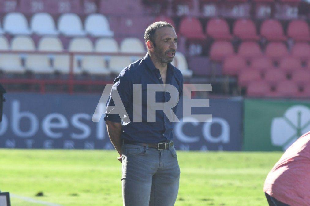 Juan Manuel Azconzábal no volvió a Santa Fe con el plantel de Unión y citó a los jugadores a entrenar este miércoles a las 11 de la mañana.