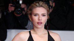 Scarlett Johansson acusó a miembros de la Asociación de Prensa Extranjera de Hollywood de realizar constantemente preguntas y comentarios sexistas.