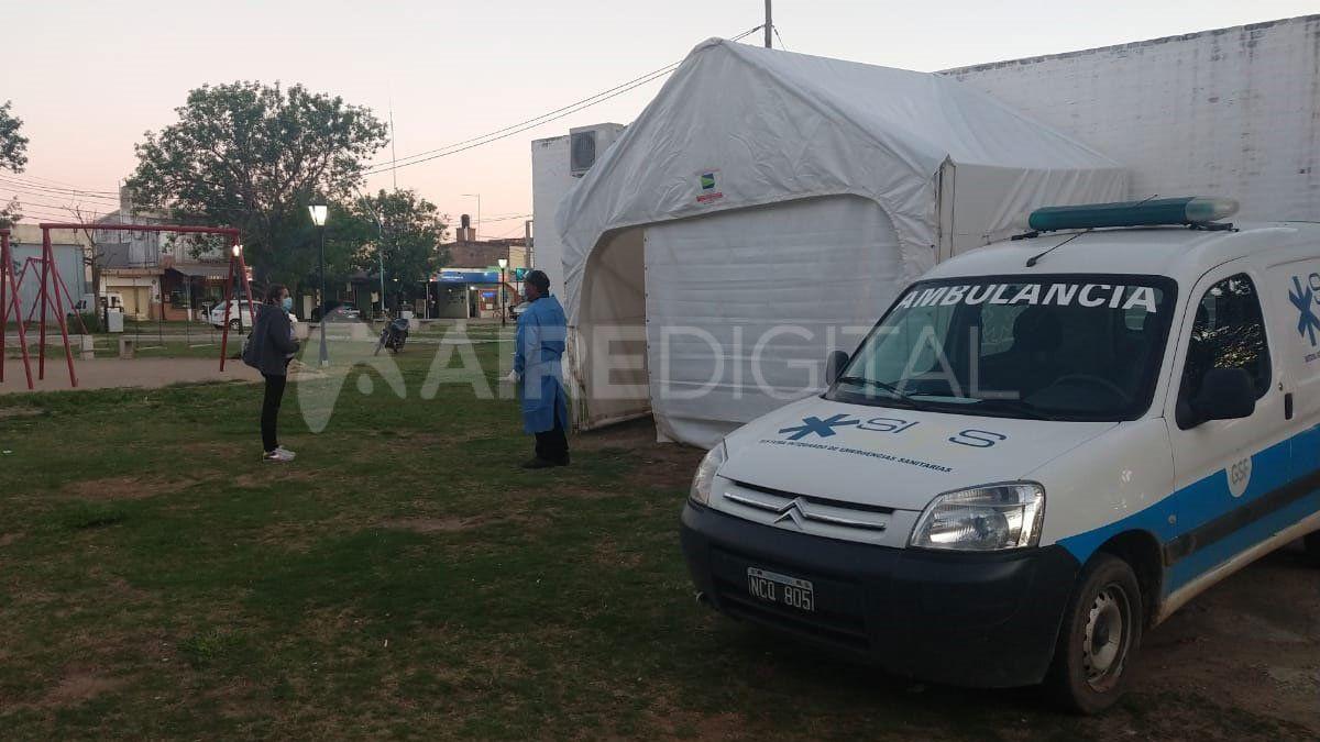El Ministerio de Salud instaló una carpa de hisopados al costado del Samco de Santo Tomé.
