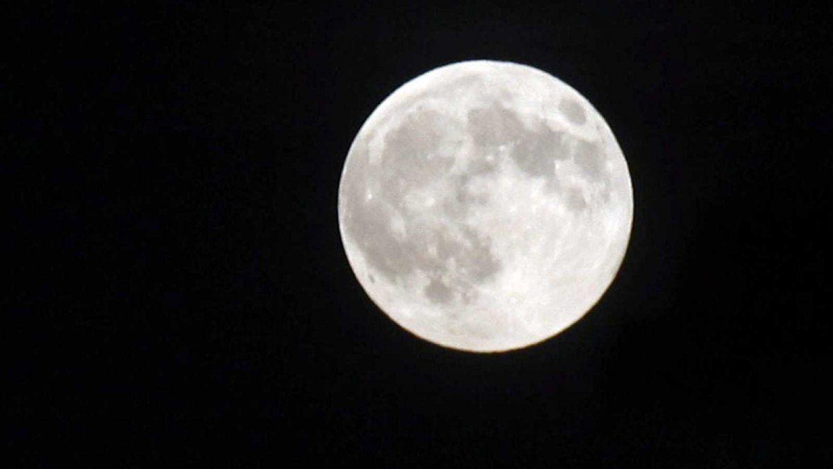 El lado oscuro de la Luna no existe, explicó un excientífico de la Nasa