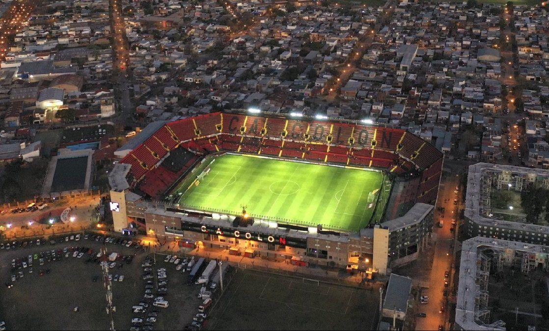 El actual estadio de Colón cumplirá 75 años de vida. Fue inaugurado el 9 de julio de 1946