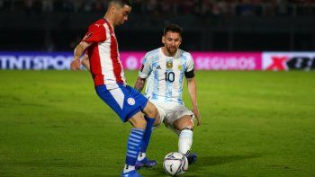 Argentina dominó, pero falló en la definición y empató sin goles con Paraguay