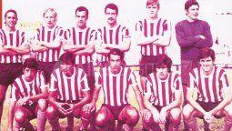 Formación de Unión en el año 1971 que disputó el Torneo Provincial y Regional. Arriba: Sanseverino, Benítez, Díaz, Artucio, Rossi y Cordero. Abajo: Vigo, Cañete, Fredes, Mendoza y Favini.