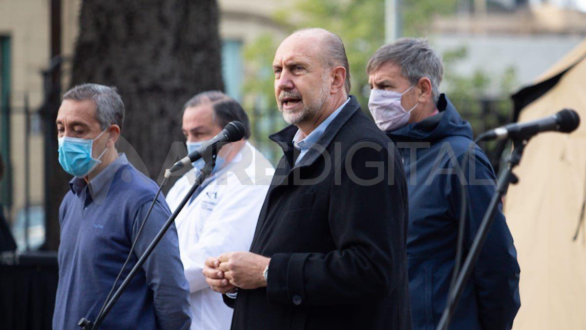 El gobernador Omar Perotti y el ministro de Defensa
