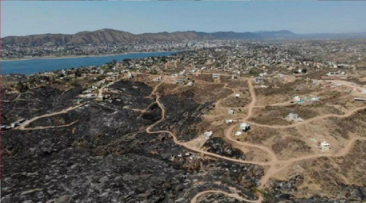 Denuncian venta de terrenos quemados en Córdoba por Facebook