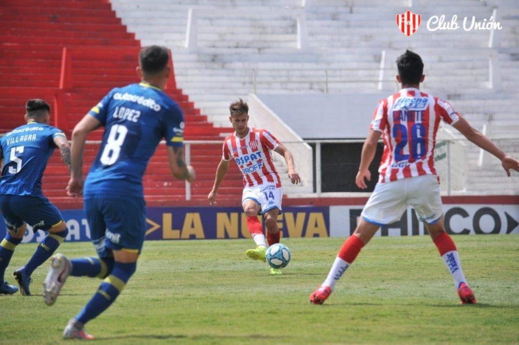 Nery Leyes disputó su primer encuentro amistoso con la camiseta tatengue. Foto: Prensa Unión.