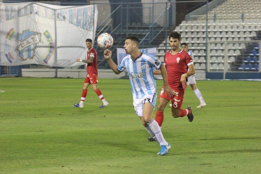 Atlético Tucumán derrotó 1-0 a Huracán y sumó su primera victoria en el Torneo de la Liga Profesional.