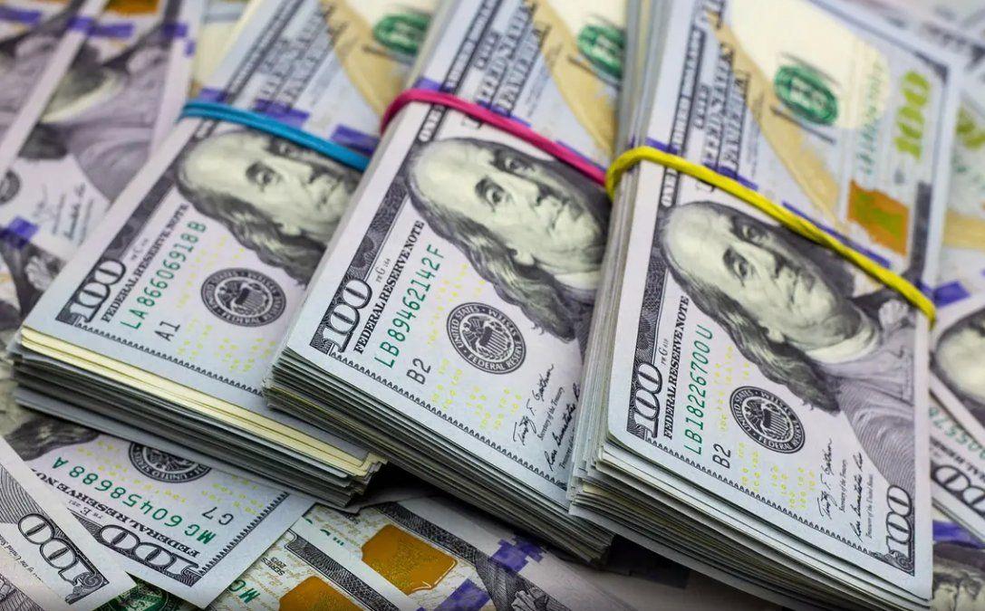 El dólar Blue no detiene su caída: bajó a $144 y ya perdió$22 desde el comienzo del año.
