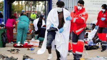 Récord: 2.700 migrantes llegan desde África al enclave español de Ceuta en un día