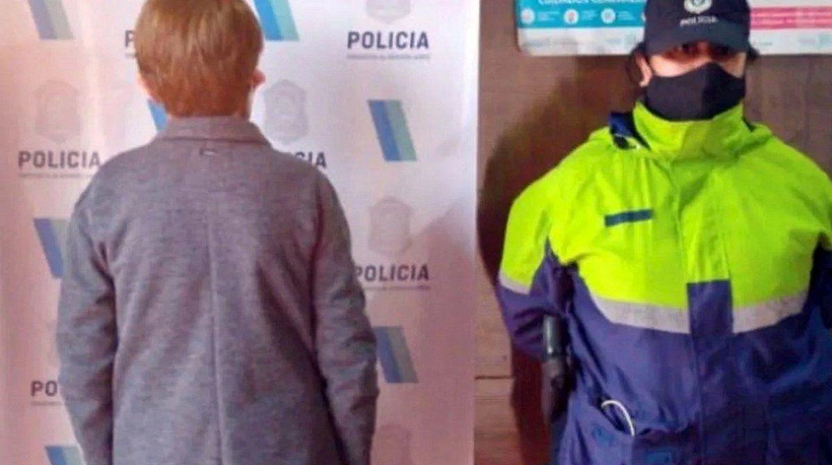 Una mujer de 71 años mató a su vecina de 81 con un palo de amasar para robarle 100 mil pesos