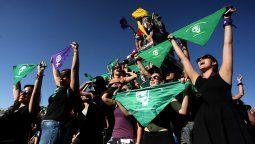 Este miércoles la Comisión de Mujeres y Equidad de Género de la Cámara de Diputados y Diputadas de Chile comenzará a discutir un proyecto de ley que despenaliza el aborto hasta la semana 14 de gestación.