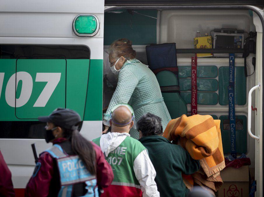 Evacuaron pacientes de un geriátrico de Flores por un brote de Coronavirus