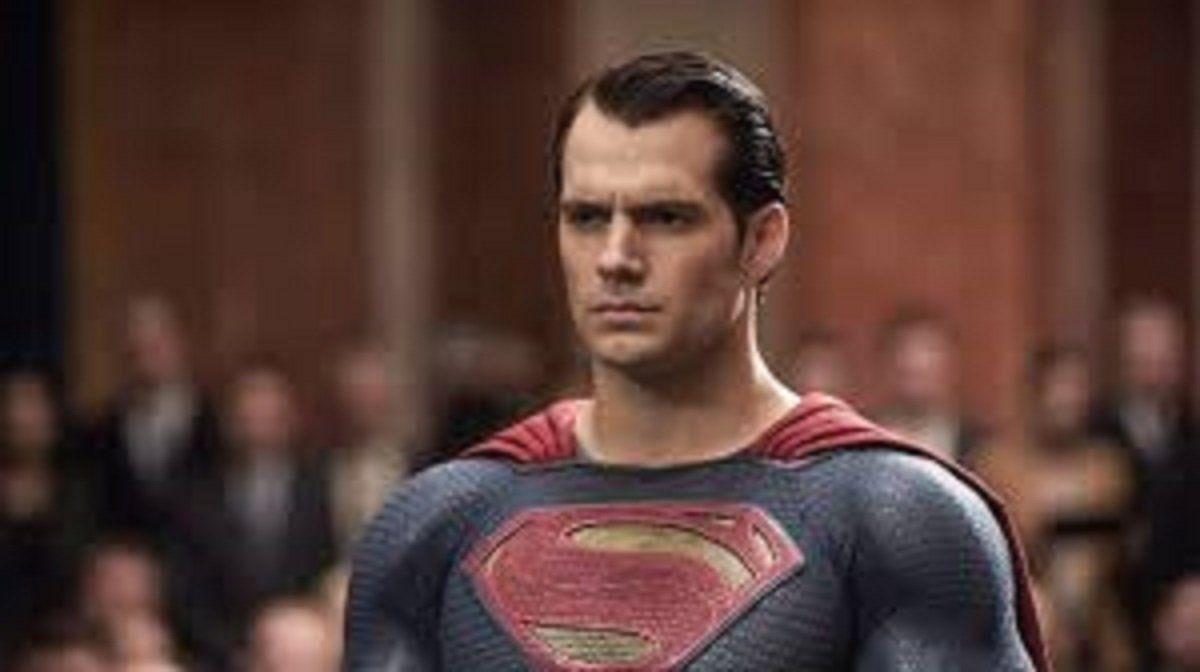 Henry Cavill dejaría de interpretar a Superman para irse a Marvel.