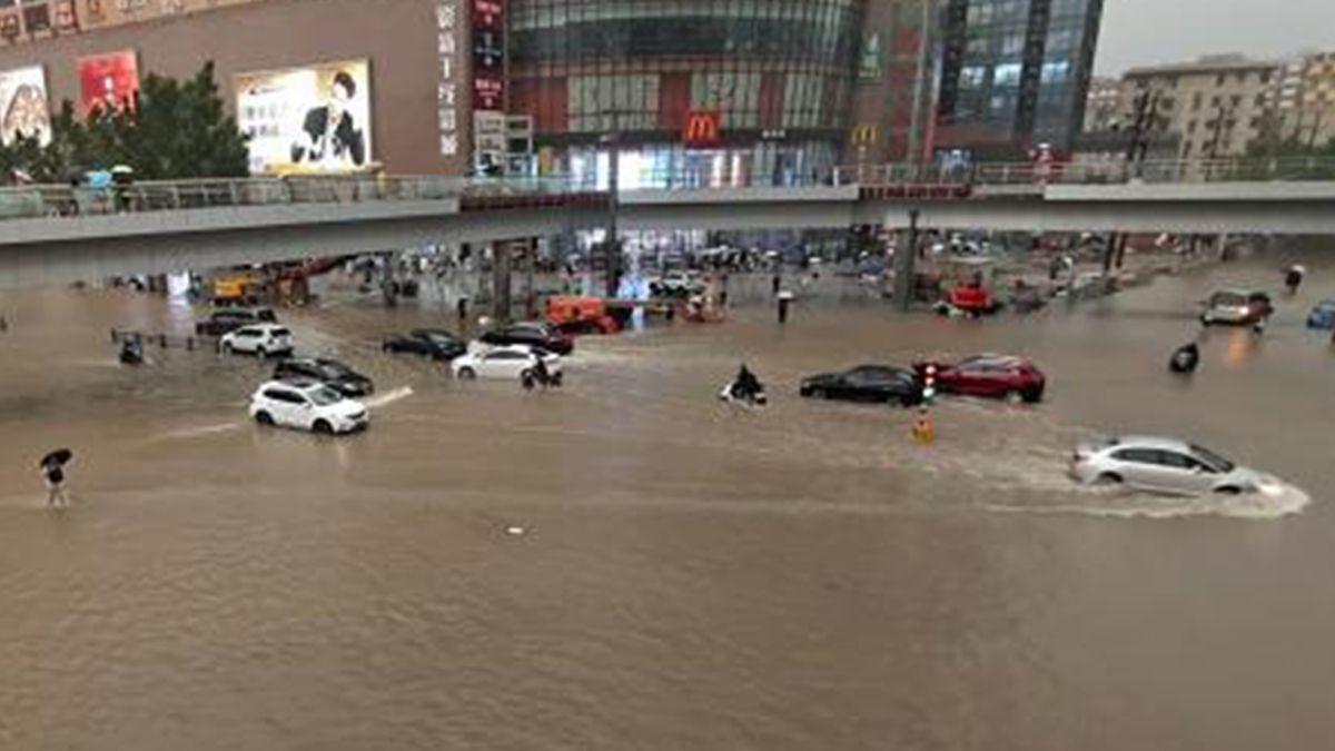 Al menos tres muertos y más de 10.000 evacuados por históricas lluvias en China