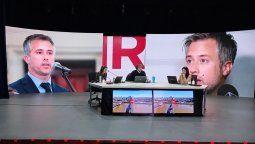 Quien salió duramente a criticar a la oposición fue el jefe del bloque del PJ, Leandro Busatto quien los acusó de politizar la cuestión y de generar incertidumbre en la población.