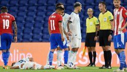 En el empate entre Argentina y Paraguay por las Eliminatorias, Exequiel Palacios debió salir sustituido por una grave lesión que le causó Ángel Romero.