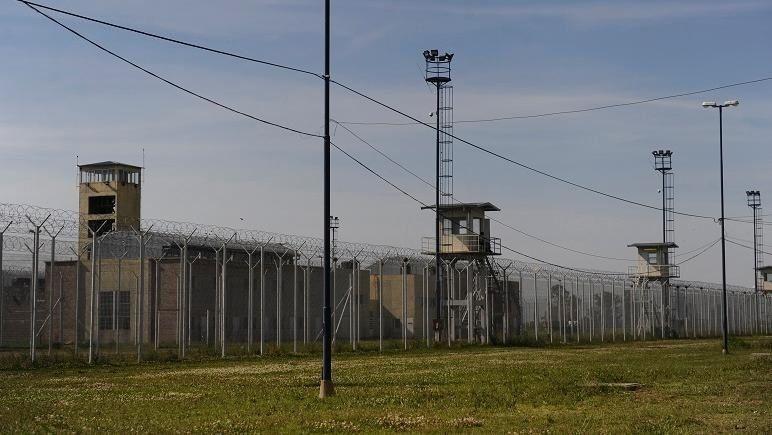 La mafia de la cárcel: tiros, peleas y disputas entre bandas narco por el negocio de las visitas