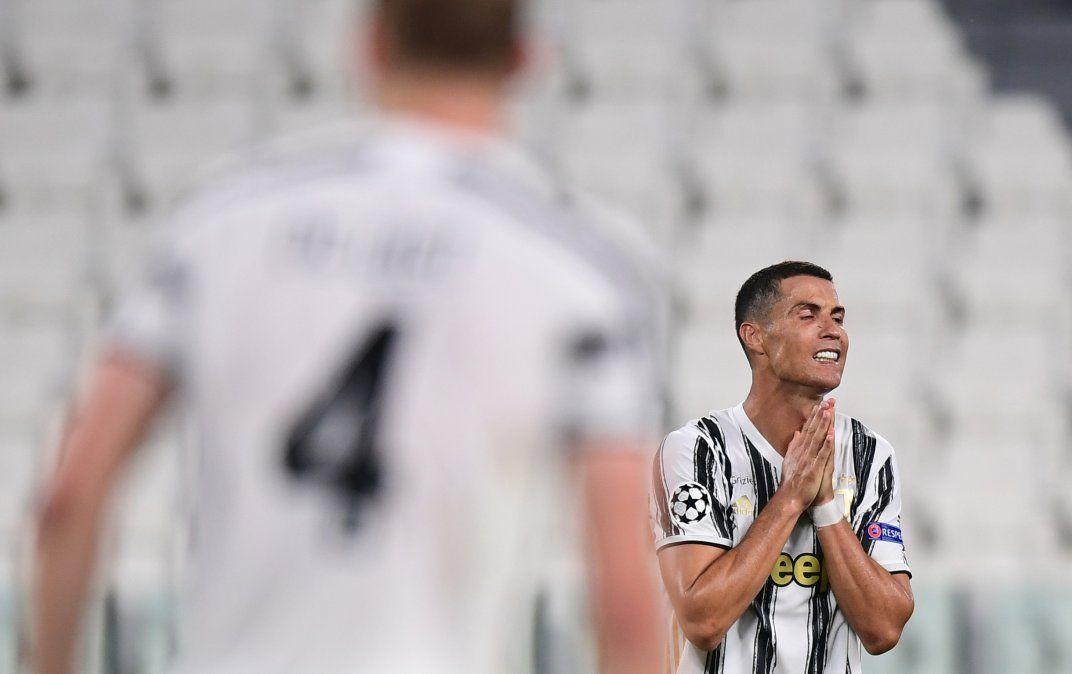 Desde la Serie A aducen que el sistema de la liga está a punto de colapsar si no permiten más afluente de personas.