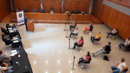 Éste viernes, un jurado popular declaró culpable a un hombre acusado de haber asesinado a balazos a otro durante una pelea el 25 de abril último en la ciudad de Paraná, en el primer juicio de ese tipo que se realizó en la provincia de Entre Ríos.