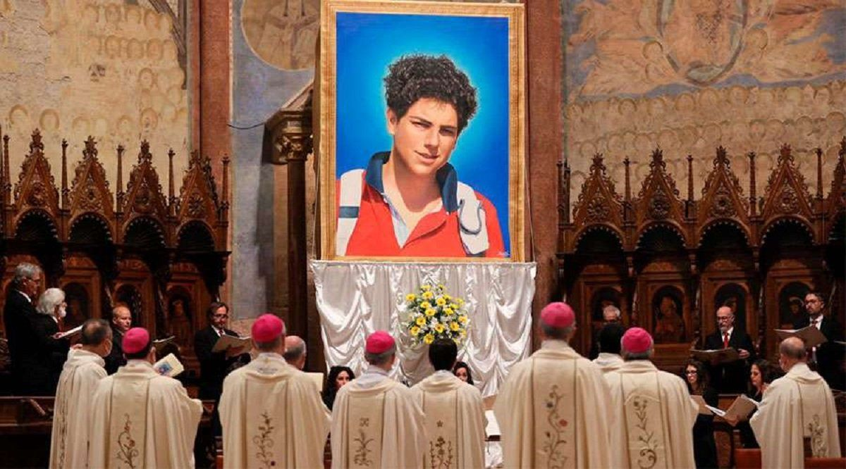 El Vaticano beatificó al influencer milagroso que anunció su muerte