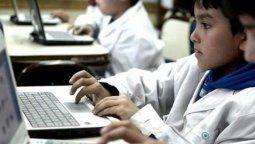 Para el ciclo lectivo de este año, anunció que el Gobierno nacional adquirirá 500.000 computadoras con una inversión que supera los $12.000 millones.