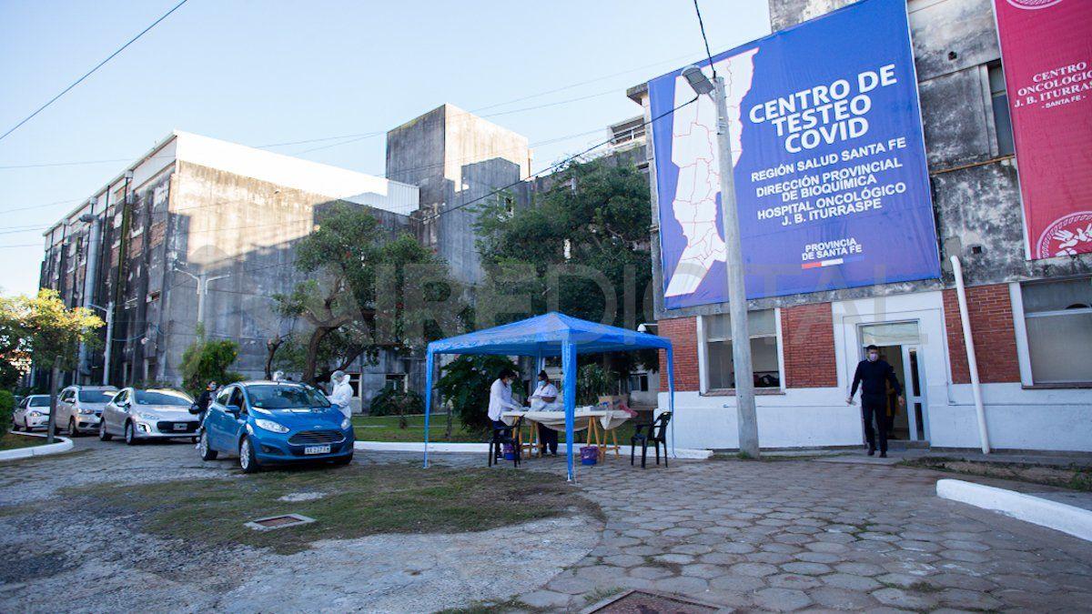 El nuevo centro de hisopados en el viejo Hospital Iturraspe comenzó a funcionar el 26 de abril.