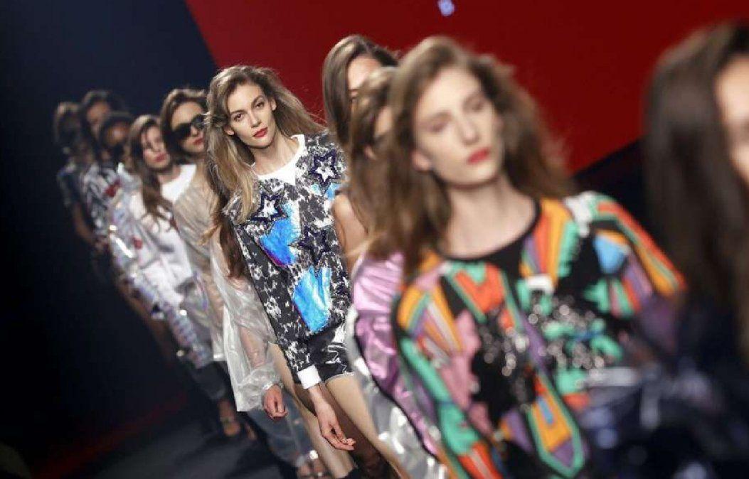 Custo Barcelona propuso en Nueva York ropa para mujeres que confían en sí mismas