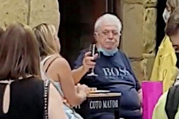 La foto de Ginés González García en Madrid, España, que se viralizó en las redes sociales.