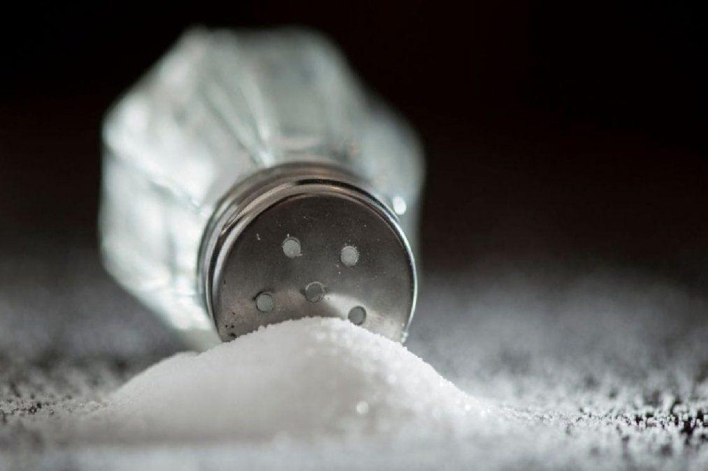 Por qué no tenes que consumir sal en exceso