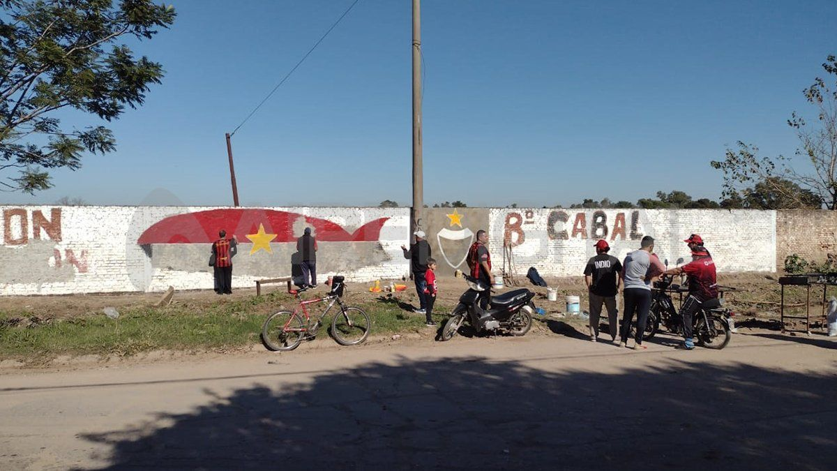 Los vecinos de barrio Cabal renovaron el mural de Estado de Israel y Castañaduy que fue pintado en 1995.