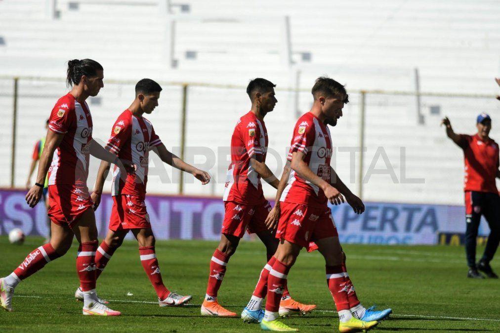Unión viaja este sábado a La Plata para concentrar de cara al enfrentamiento ante Gimnasia y Esgrima.