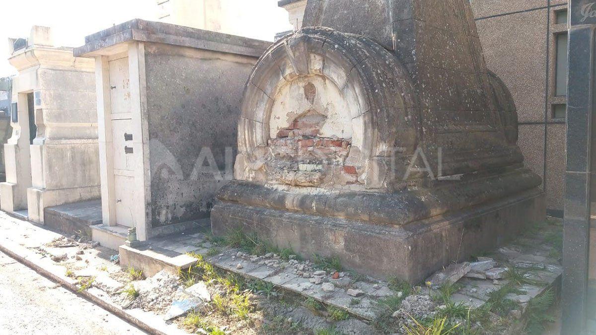 Denuncian destrozos y abandono en el cementerio municipal