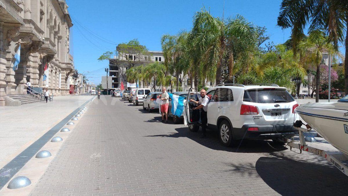 Los trabajadores del sector náutico marcharon hacia Casa de Gobierno