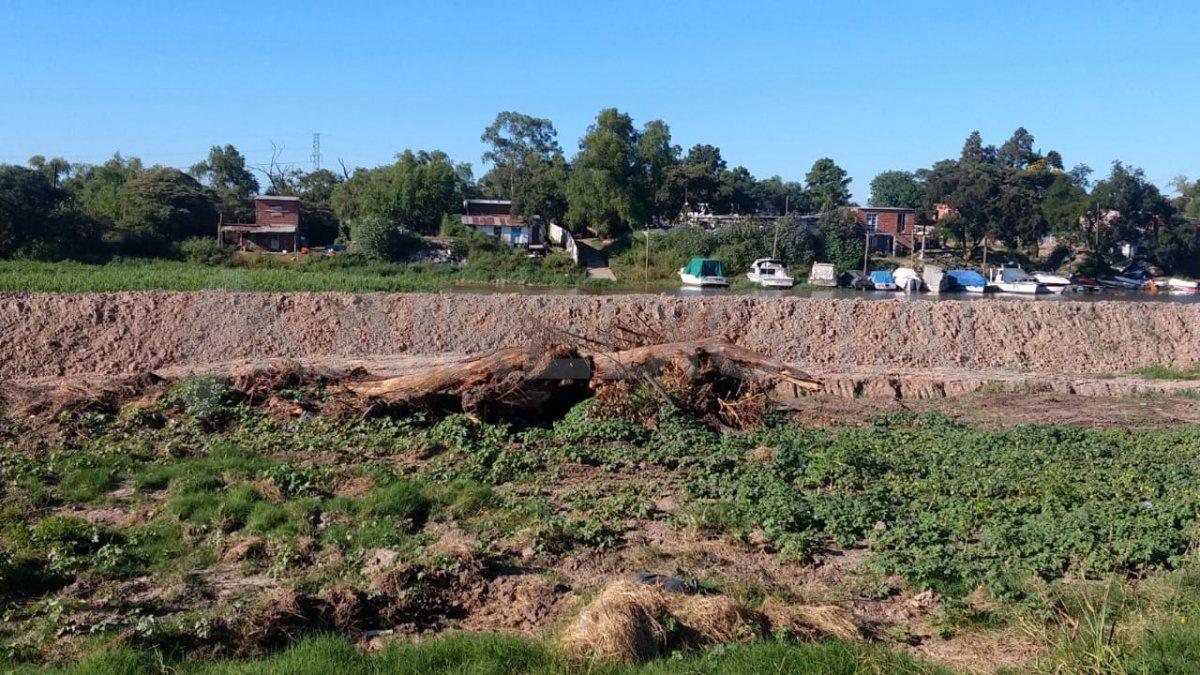 Riacho Santa Fe: empiezan los trabajos para restituir el terreno al estado previo a la intervención