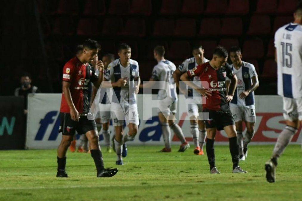Colón cayó 2-1 ante Talleres y le puso fin a su andar en la Copa Diego Maradona.