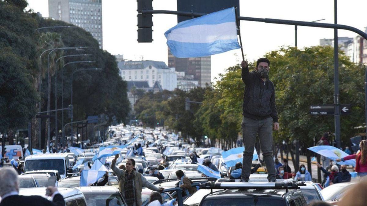 Este lunes habrá otro banderazo contra las medidas del Gobierno nacional.