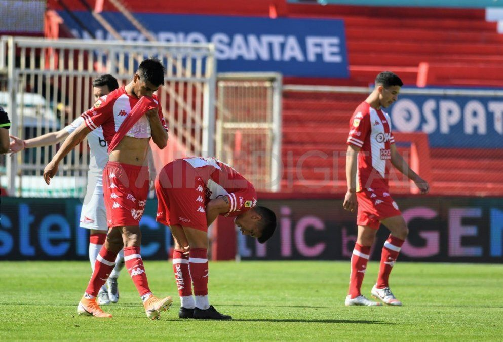 Unión cayó 2-0 con Estudiantes luego de una floja actuación y volvió a caer en el Torneo de la Liga Profesional.